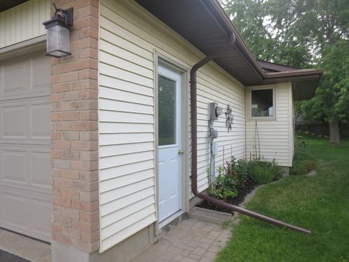 Should Side Garge Door Match Front Door