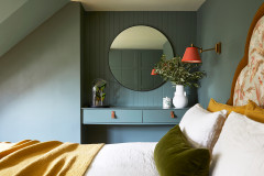Houzz Tour: Colour-rich Rooms Reflect the Play of Light