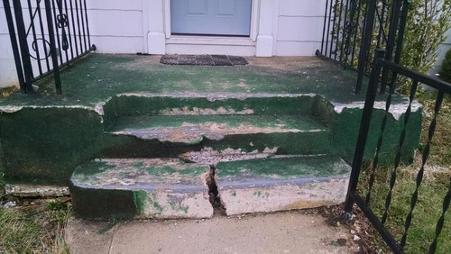 Need help with this ugly concrete porch