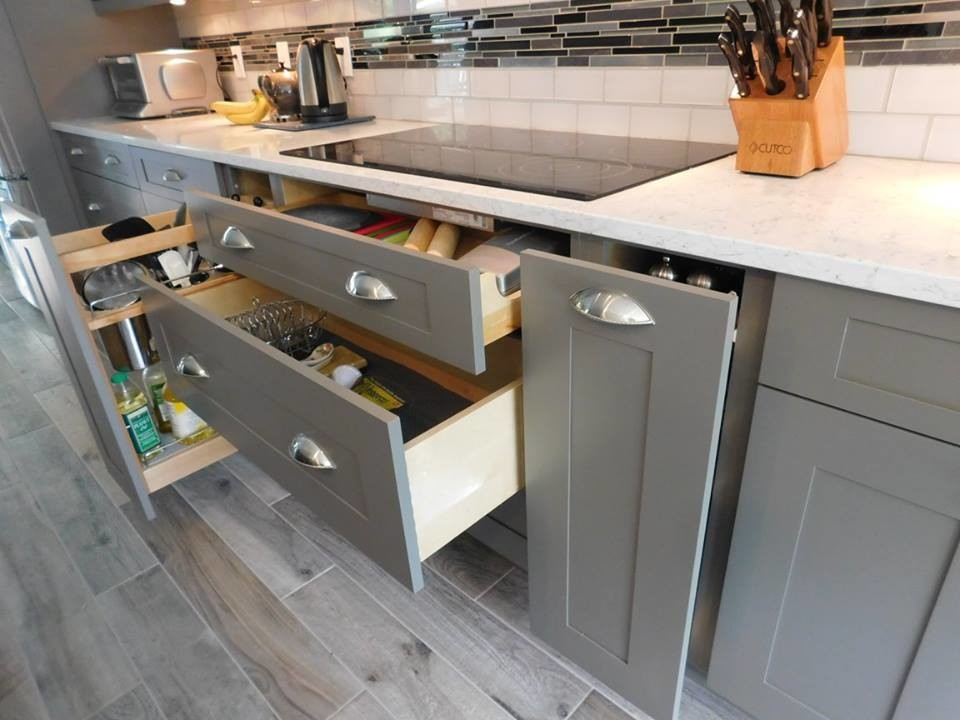 Woodstock Contemporary Kitchen