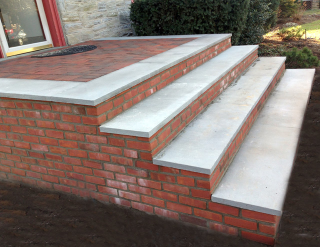 Clay Veneer Bricks Combined With Pa Bluestone Step Treads On Steps And Landing Rustic