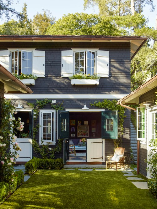 Pleasant Two Story Cottage Charming Home Tour Town Country Living Download Free Architecture Designs Embacsunscenecom