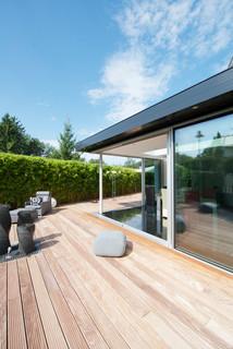 Glashaus mit keller minimal windows minimalistisch for Minimalistisch essen