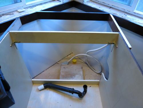 Corner Kitchen Sink Cabinet Nightmare   HELP