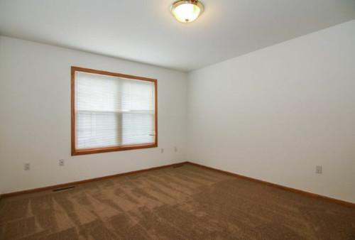 Brown Carpet Amp Honey Oak Bedroom