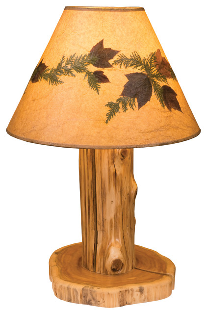 cedar table lamp with large foliage lamp shade traditional cedar finish rusticlamp