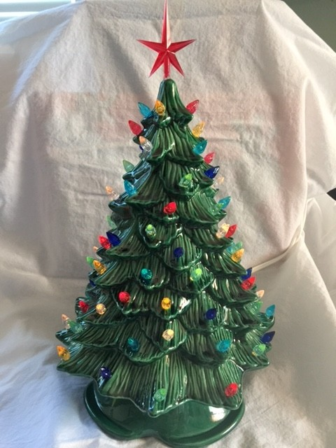 anyone have one of these vintage ceramic xmas trees?