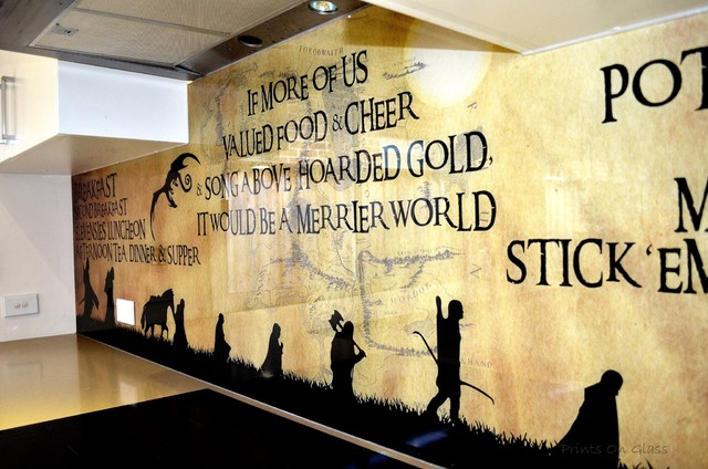 Glass splashback lord of the rings themed for Lord of the rings bedroom ideas