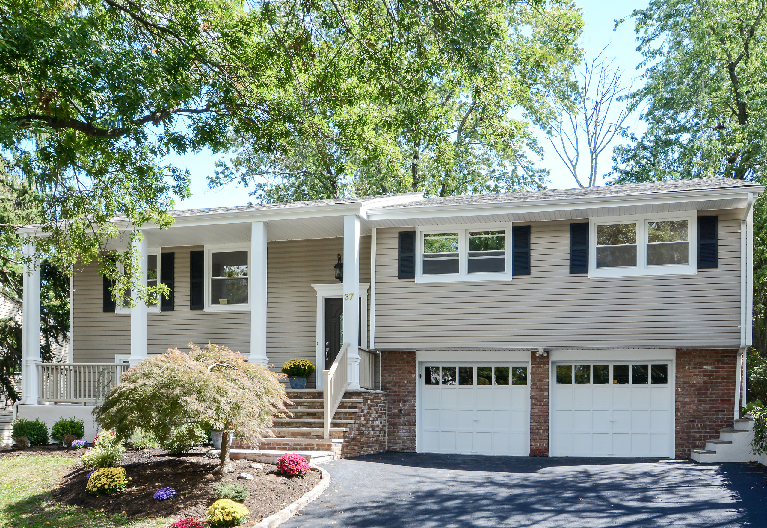 37 Colonial Woods Drive