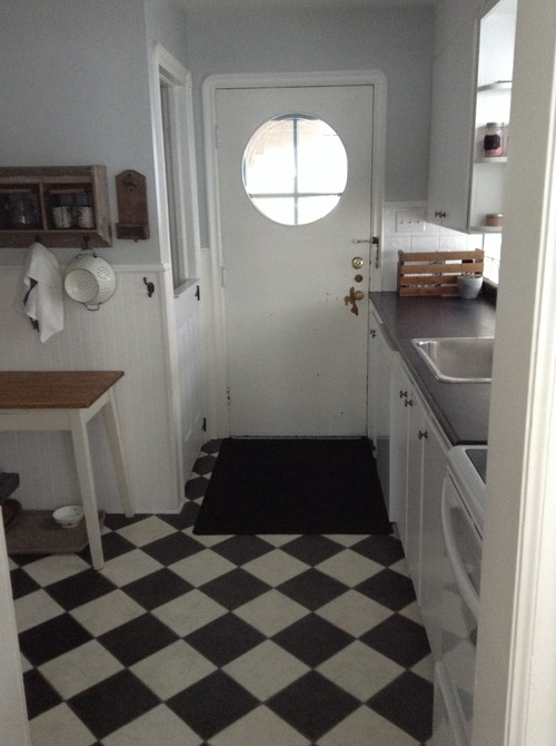 need to refresh this 1940s kitchen!
