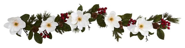 Magnolia, Pine And Berries Artificial Garland, White.