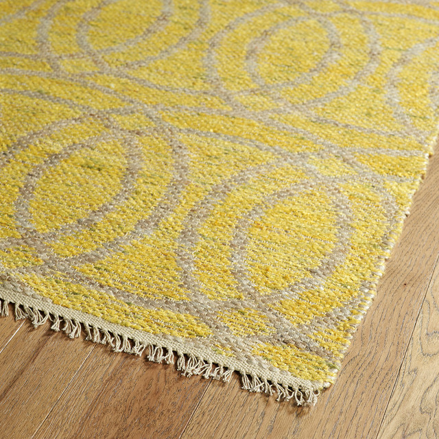 Marina Reversible Rug, Yellow, 5&x27;x7&x27;9.