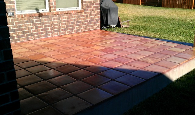 Outdoor patio saltillo tile mediterranean patio for Terrace tiles