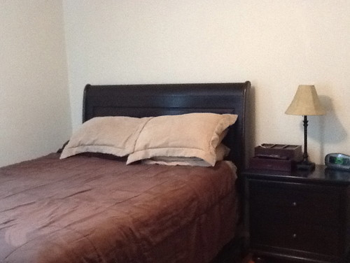 . Plain Jane Small Bedroom Pic 2