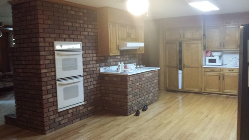 Would you white wash the brick for Kitchen units made of bricks