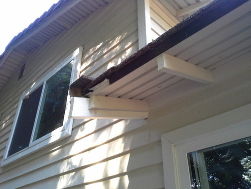 how to fix rotted rafter ends
