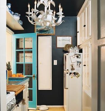 Black kitchen (Domino) eclectic kitchen