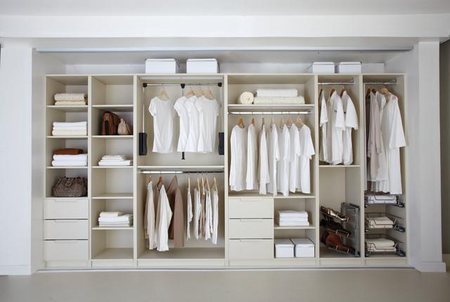 Wardrobe interior design classic for 3 door wardrobe interior designs