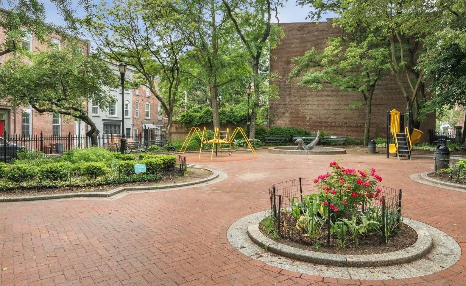Mews House Cobble Hill Park, Brooklyn