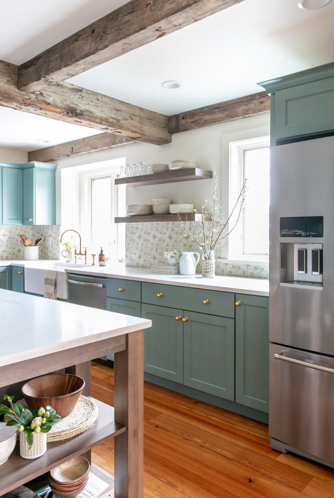 Elegant kitchen photo in Chicago