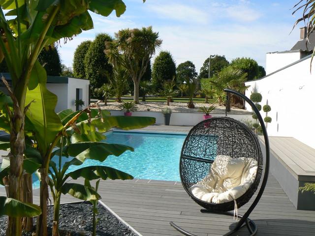 am nagement autour d 39 une piscine. Black Bedroom Furniture Sets. Home Design Ideas