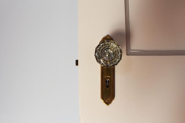 Emory Doorknobs traditional