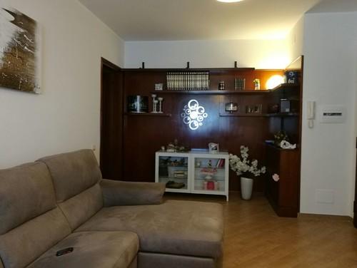 Help come arredare abbellire lato libreria a parete in - Come abbellire camera da letto ...
