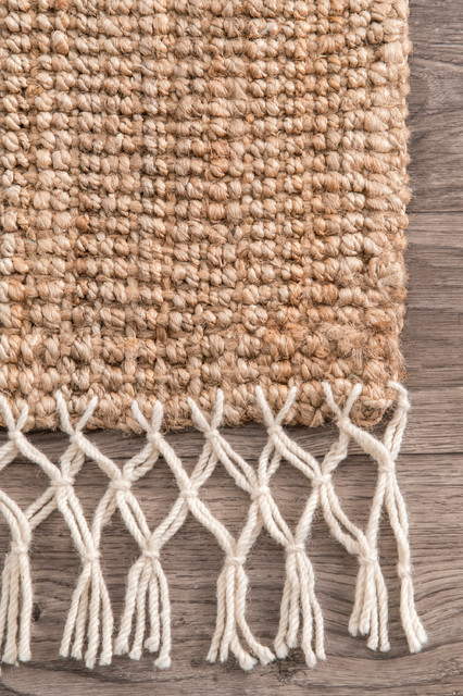 Fringe Handwoven Jute Area Rug, Natural, 8&x27;x10&x27;.