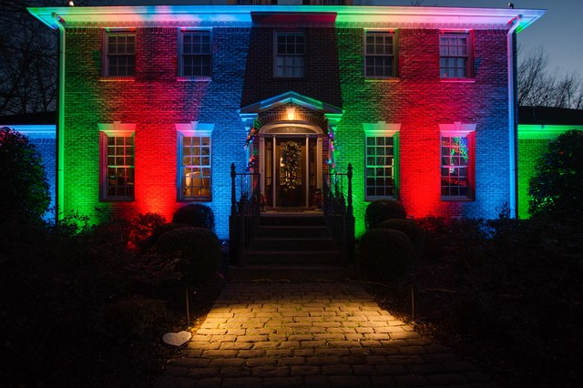 Unique holiday outdoor lighting in Brentwood, TN.