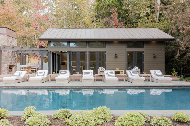 Country home design photo in Los Angeles