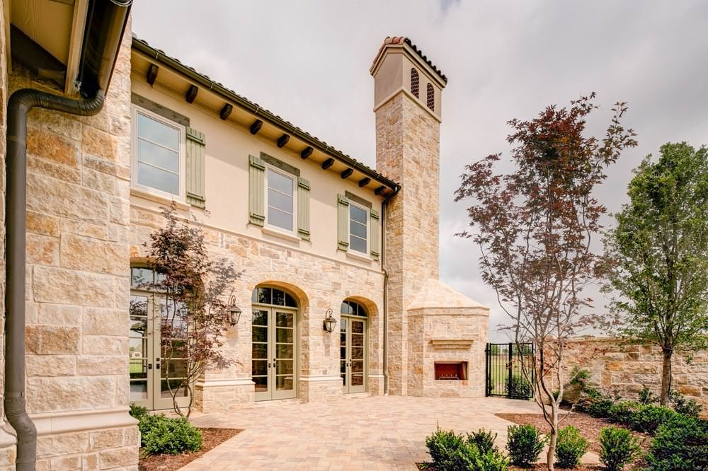 Modern Tuscan with Front Courtyard