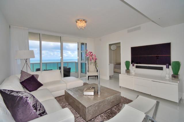 Trendy home design photo in Miami
