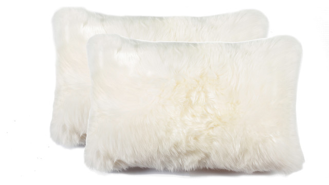 "100% Sheepskin New Zealand Pillows, Set Of 2, Natural, 12""x20""."