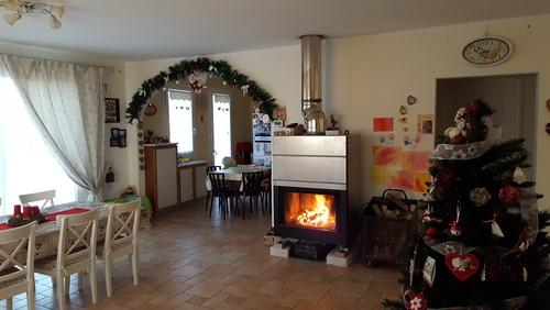 Arredare salotto soggiorno con caminetto for Salotti e sale da pranzo