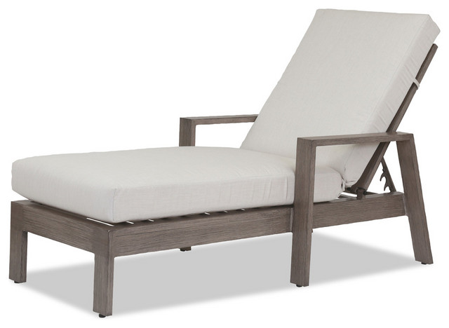 Laguna Chaise Lounge With Cushions, Canvas Flax.