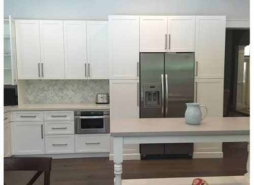 putting crown molding on kitchen cabinets should i put crown molding on my kitchen cabinets 25013