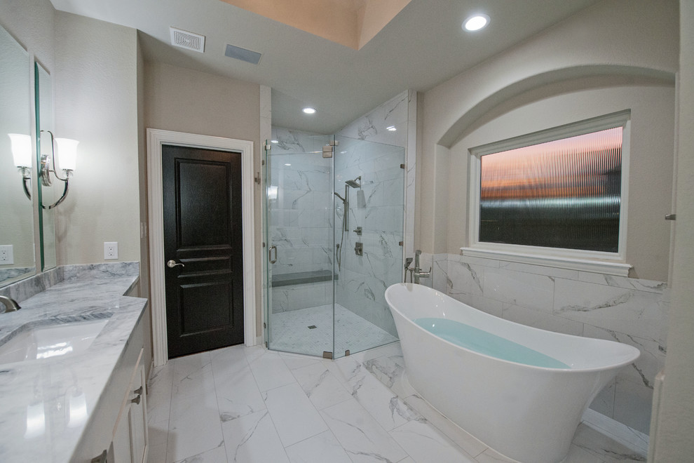 Contemporary Master Bath 2017