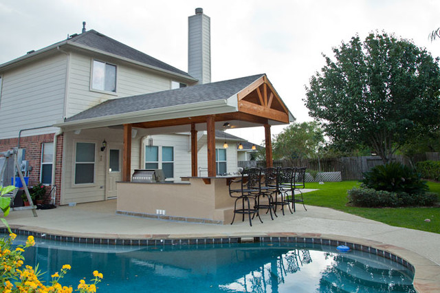 Outdoor Kitchen And Patio Cover In Katy, TX Traditional Patio