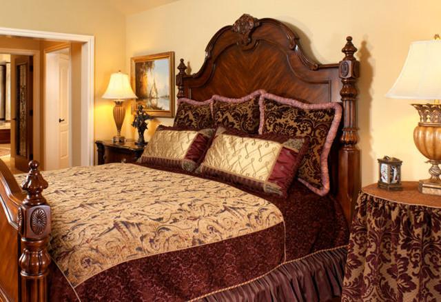 Old world elegance for Old world bedroom