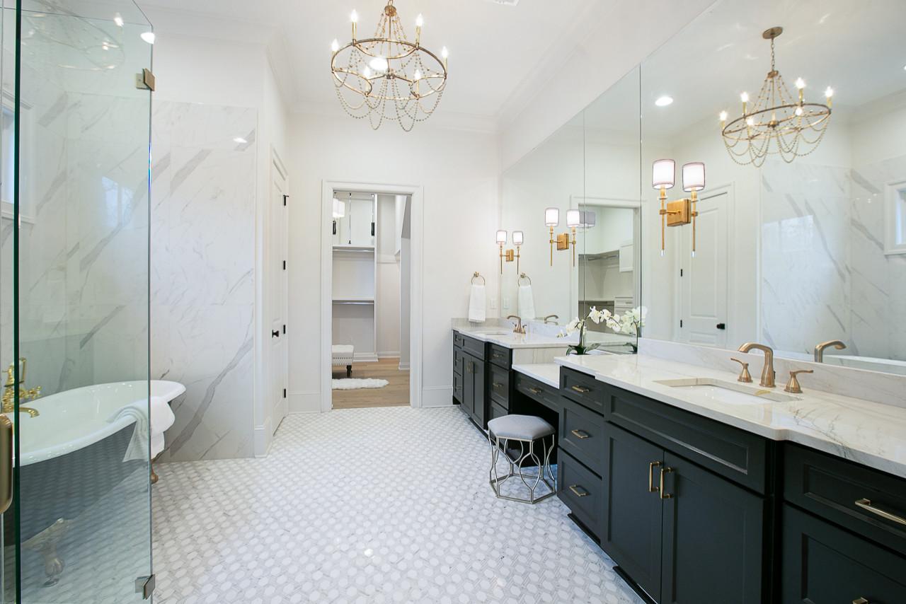 Bricklin Dr.  |  Louisiana French Transitional  |   Master Bathroom -