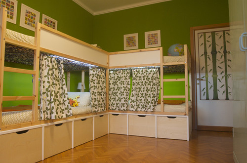 kids Tommaso & Lorenzo's Bright Bedroom Small Kids, Big Color Entry # 25 | Apartment