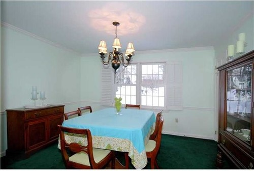 My House Is For Sale And I Would Like To Repaint Dining Room Entryway Distract From The Green Carpet Any Suggestions