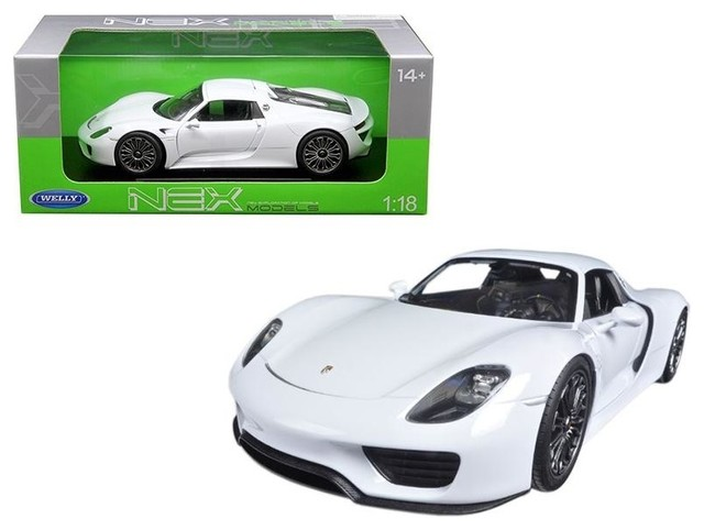 Welly Porsche 918 Spyder Hardtop 1//24 Scale Diecast Model Car Silver