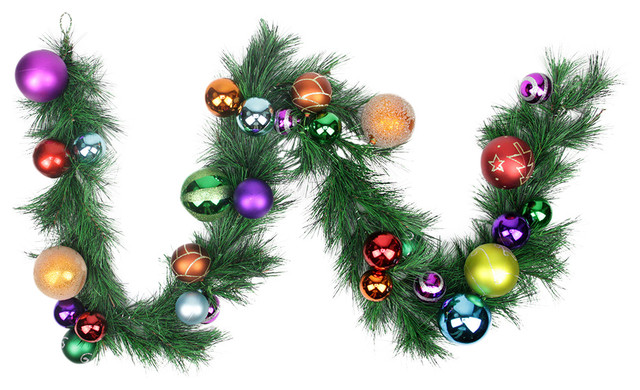 Tips 6 traditional wreaths and garlands by northlight seasonal