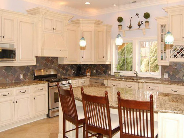 Antique White Kitchen Cabinets Home Design - Modern - Columbus