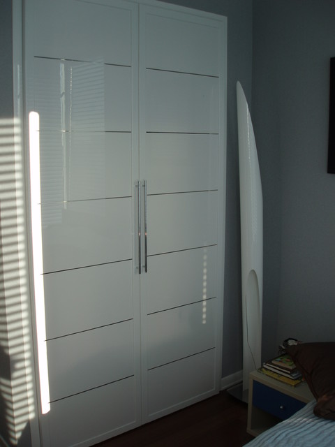 Closet doors miria collection in high gloss white modern Modern white front door