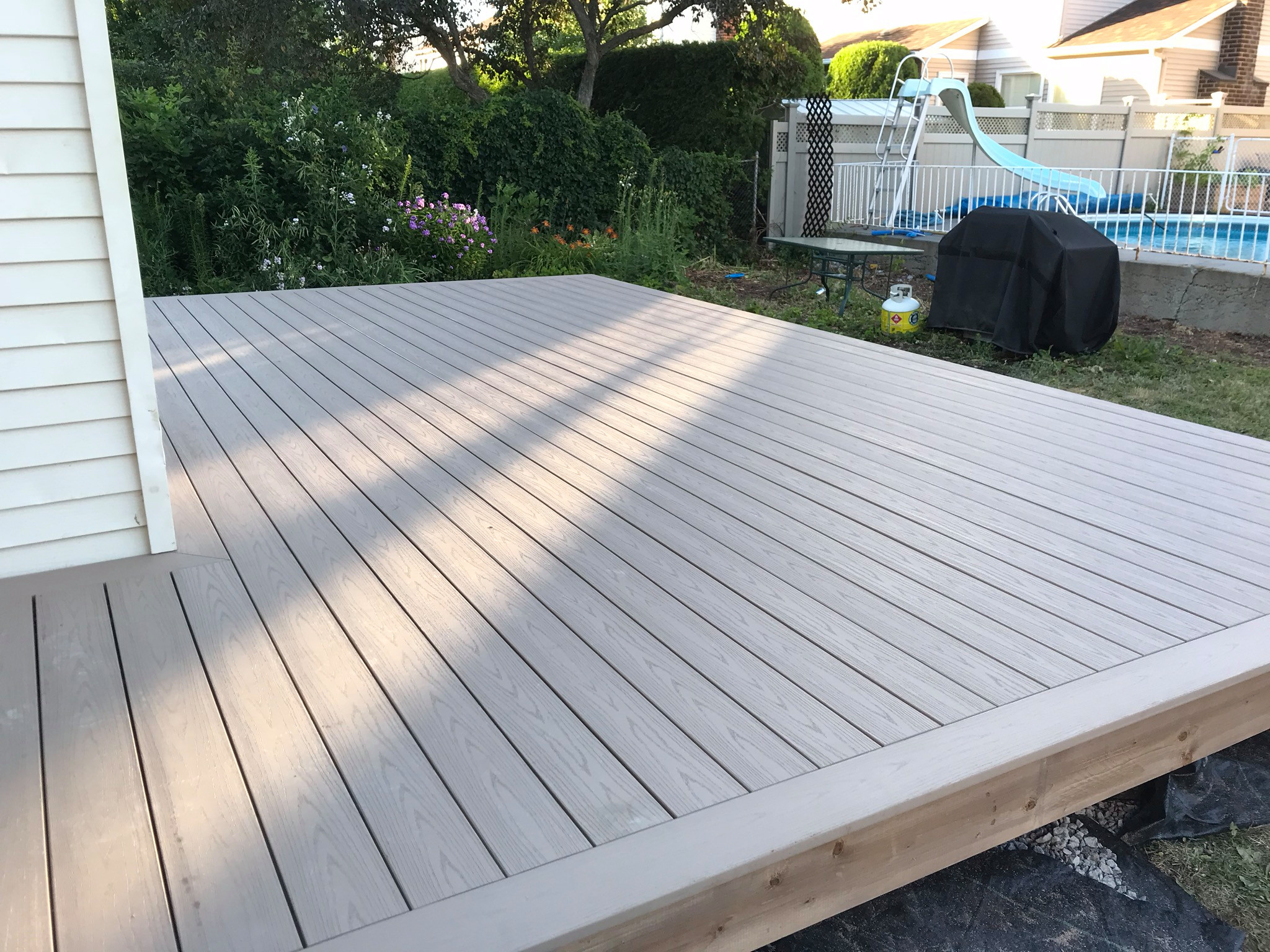 Azek deck and tuff Fence