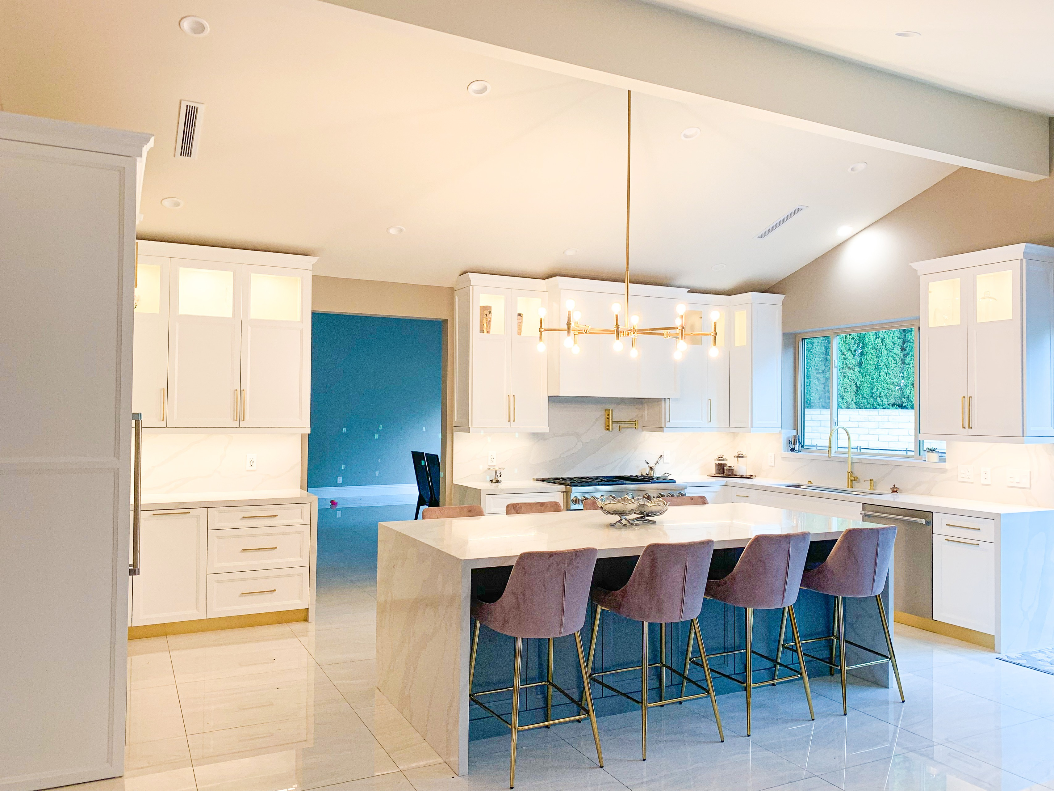 Contemporary meets Modern Kitchen