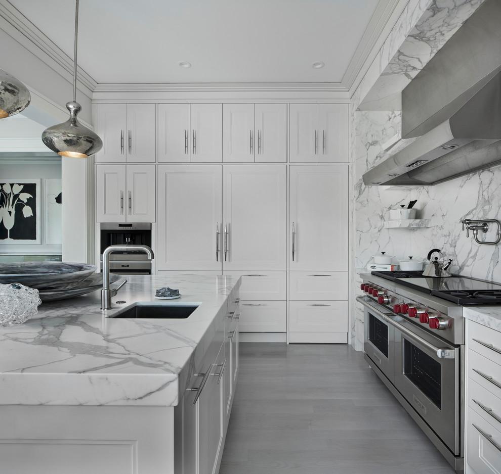 Inspiration for a transitional home design remodel in Detroit
