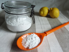 Baking Soda: The Amazing All-Natural Cleanser You Already Own